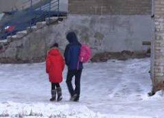 Девяти- и одиннадцатиклассники в Ангарском городском округе, как и ученики начальной школы, начали учиться очно