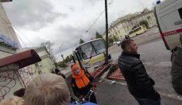 Проверку по факту столкновения автобуса и машины Росгвардии проводят в Ангарске инспекторы ГИБДД